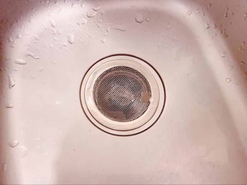 キッチンの排水口どうする?ゴミ受け2つ使いでお掃除を楽に。